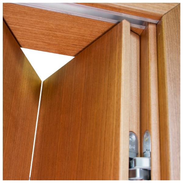 Porte a libro falegnameria franceschetti - Come aprire una porta bloccata dall interno ...